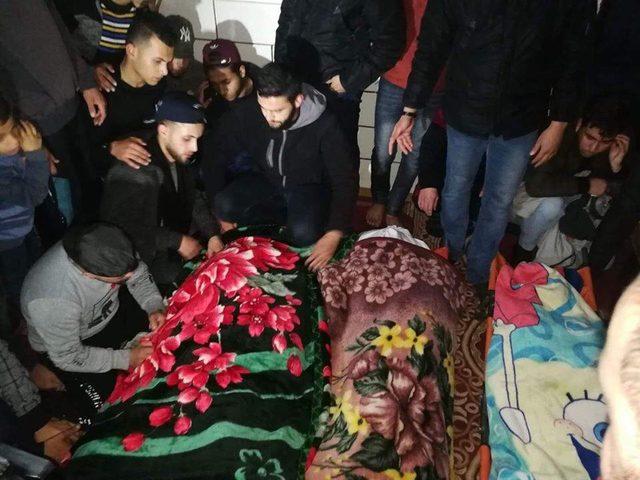 غزة تشيع ضحايا حريق مخيم النصيرات