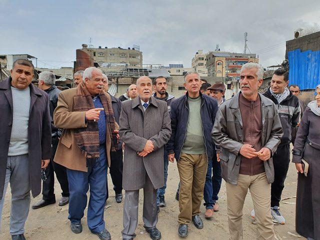 أبو سمهدانة يترأس اجتماعا طارئا للجنة متابعة حريق النصيرات