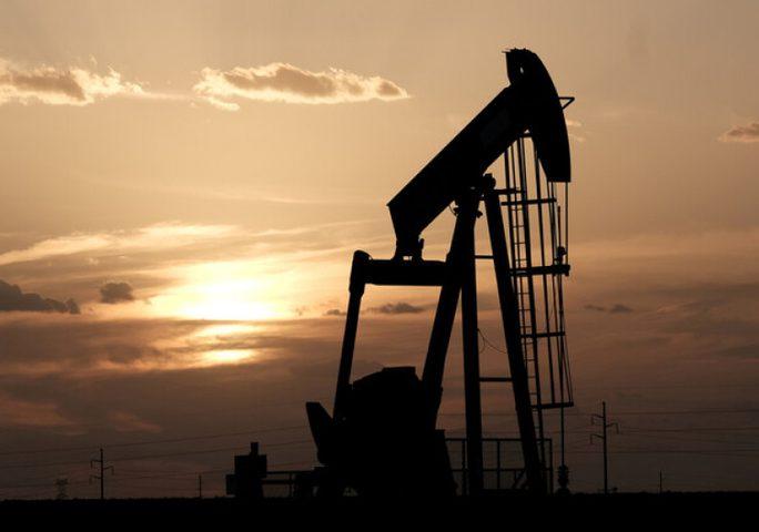 تراجع قياسي في أسعار النفط الخام