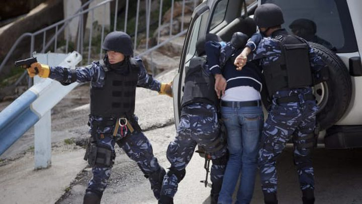 """نابلس: الشرطة تقبض على شخص نشر أخبار كاذبة عن إصابات بـ""""كورونا"""""""
