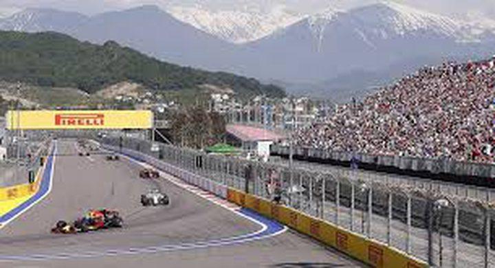 """البحرين تعلن إقامة سباق """"فورمولا 1"""" للمشاركين فقط"""