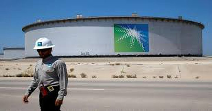 السعودية تعلن زيادة إمدادات النفط خلال شهر أبريل