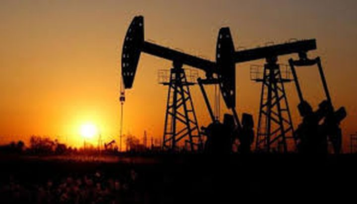 أسعار النفط تواصل الارتفاع منذ الإثنين