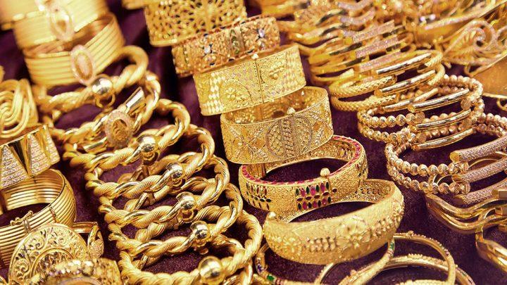 الذهب يرتفع مع تراجع الاندفاع صوب النقد