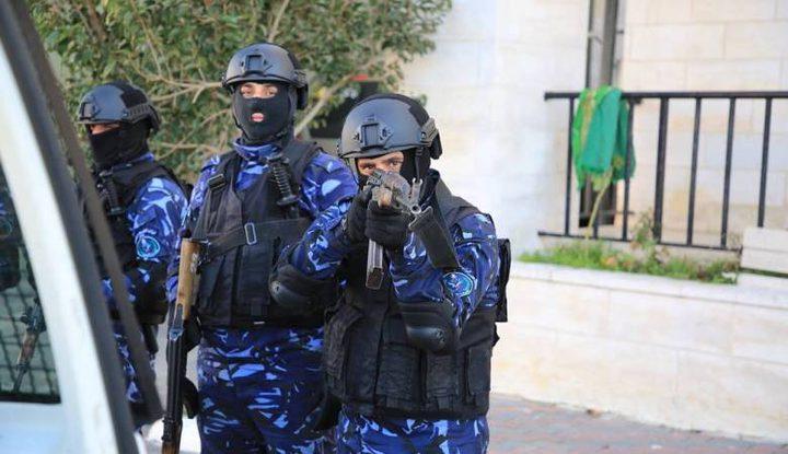 الشرطة تغلق صالة بلياردو وتلقي القبض على صاحبها في سلفيت