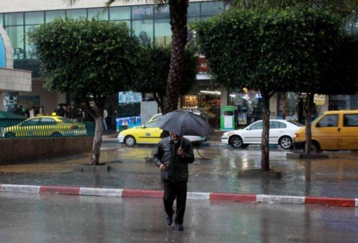 الطقس: أمطار غزيرة وأجواء شديدة البرودة اليوم وغدا