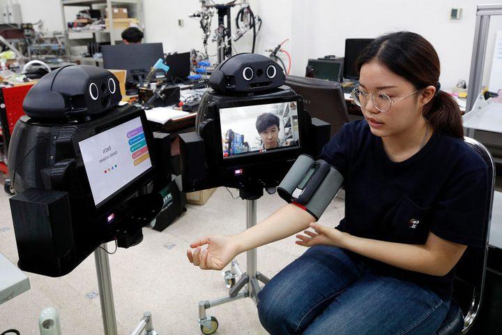 """تايلاند.. """"روبوتات النينجا"""" تدخل مجال مكافحة فيروس كورونا"""