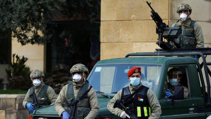 الأمن الاردني يعتقل 400 شخص لمخالفتهم قرار الحجر الصحي
