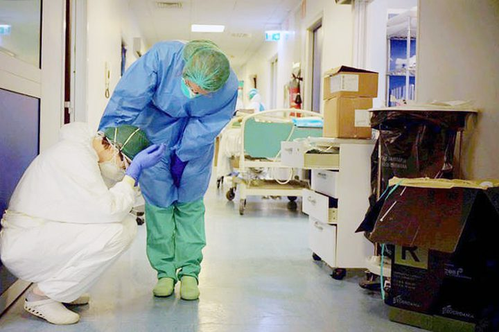 إيطاليا.. طبيبة تكشف عن طلبات ضحايا كورونا قبل وفاتهم