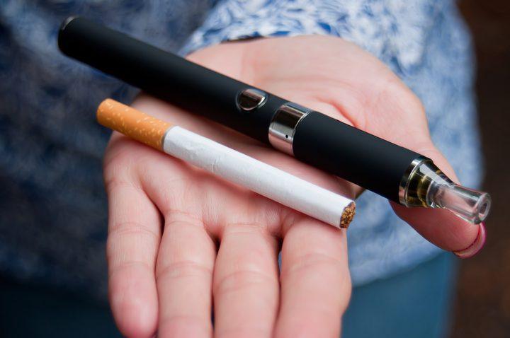 تحذير.. السجائر الإلكترونية تزيد خطر الإصابة بفيروس كورونا