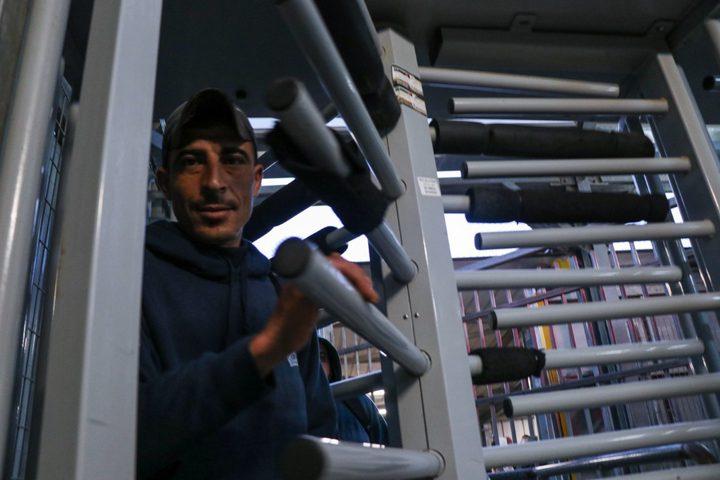 محافظ بيت لحم: يدعو العمال عدم الدخول للعمل في المستوطنات
