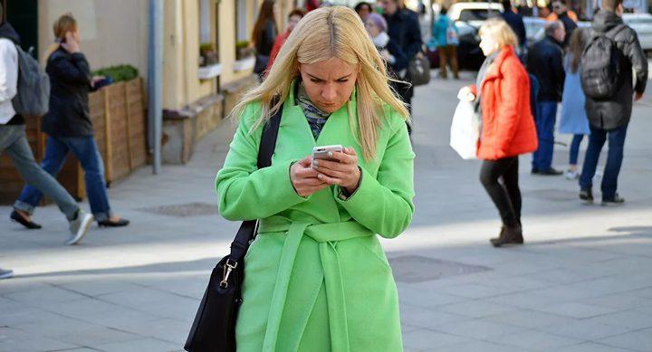 كورونا يتسبب بانخفاض مبيعات الهواتف منذ اختراع أولها