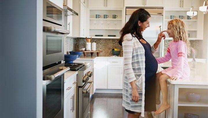 د. خياط تقدم نصائح للأهالي حول أطفالهم والحوامل في زمن كورنا