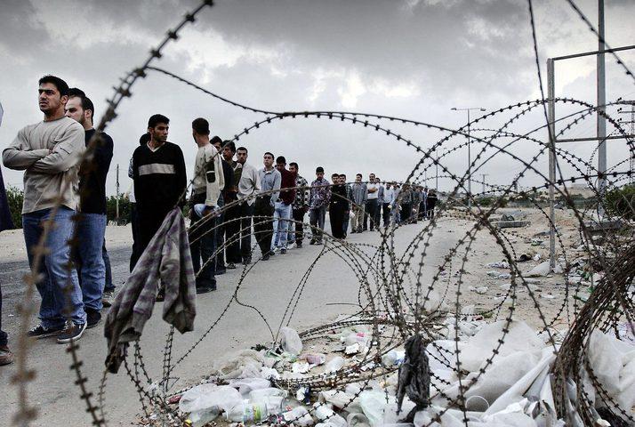 الخارجية تطالب منظمات دولية الزام الاحتلال بتوفير الحماية للعمال