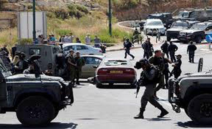 قوات الاحتلال تغلق مداخل بلدات وقرى جنوب الخليل