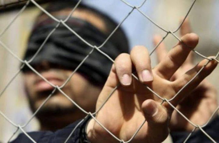 """أسير يحرق نفسه في سجن """"نفحة"""" احتجاجا على إهمال إدارة السجون"""