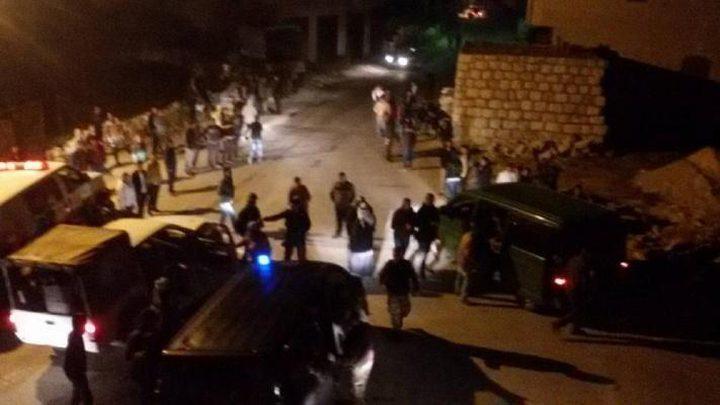 إصابة 4 مواطنين بإطلاق نار في الخليل حالة أحدهم حرجة للغاية