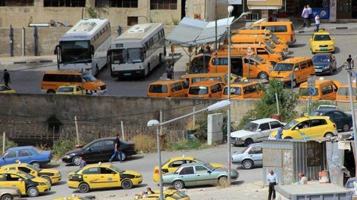 وزارة النقل: يمنع زيادة عدد الركاب داخل المركبات عن ثلاثة