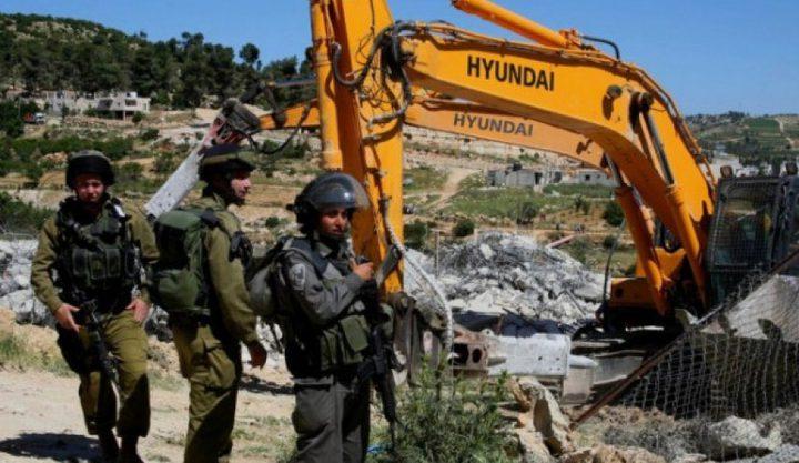 قوات الاحتلال تهدم بئرا وغرفة زراعية في دير بلوط