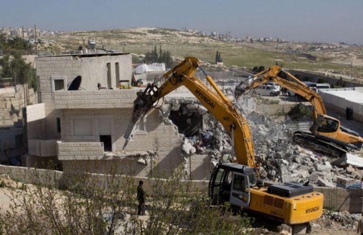 قوات الاحتلال تهدم منازل في قرية الديوك غرب أريحا