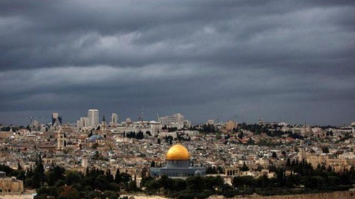 طقس فلسطين: أمطار متفرقة وانخفاض على درجات الحرارة