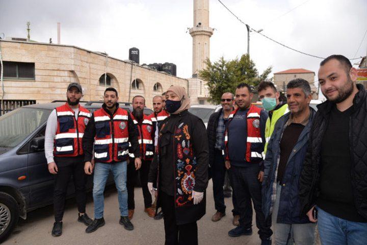 محافظ رام الله  تتفقد مخيمات الجلزون والأمعري وقدورة