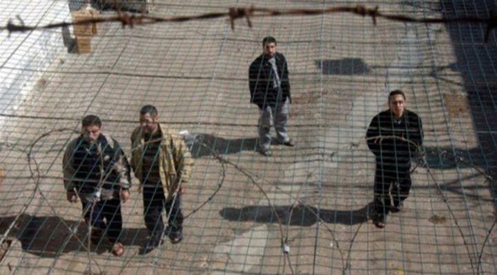 فارس: مطالبة حكومة الاحتلال بالإفراج عن الأسرى عادل ومحق