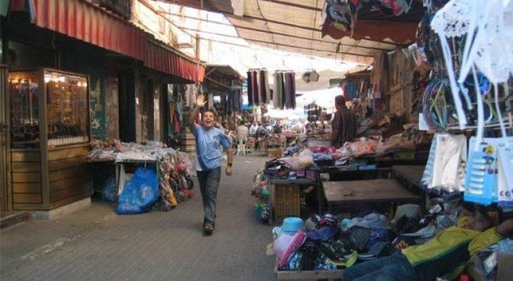 محافظ نابلس يصدر قراراً بإغلاق السوق الشرقي منعناً للاكتظاظ
