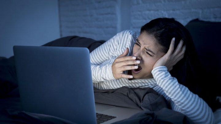دراسة تحذر: التأخر 30 دقيقة عن موعد نومك قد يكلفك الكثير