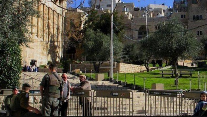 قوات الاحتلال تغلق الحرم الإراهيمي