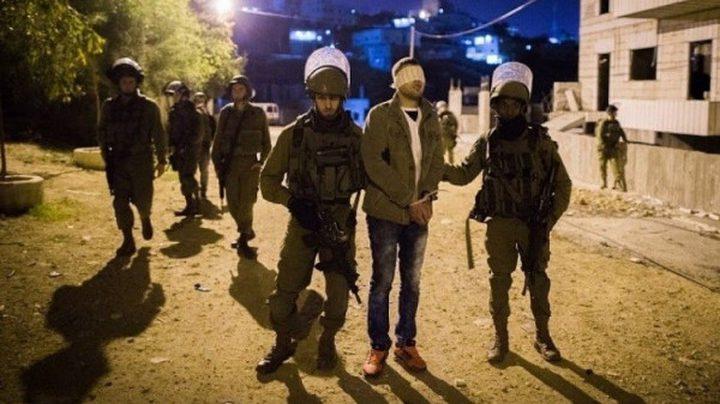 الاحتلال يعتقل 4 مواطنين في رام الله وسط اندلاع مواجهات