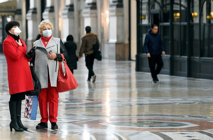 النمسا تجبر مواطنيها على ارتداء الكمامات خلال التسوق