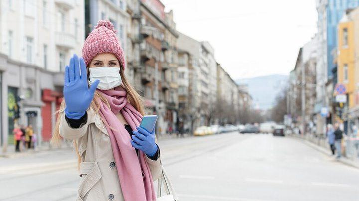 هل مسافة مترين كافية للحد من انتشار فيروس كورونا؟