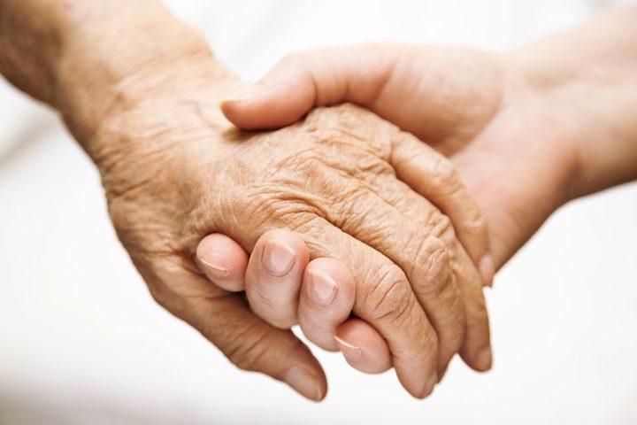 بارقة أمل.. تعافي عجوز هولندية عمرها 100 عام من فيروس كورونا