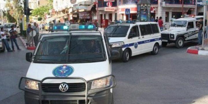 جنين: الشرطة تغلق 33 محلاً تجارياً  لعدم الالتزام بحالة الطوارئ