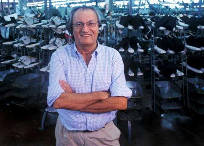 كورونا ينهي حياة أشهر مصممي الأحذية في العالم الايطالي