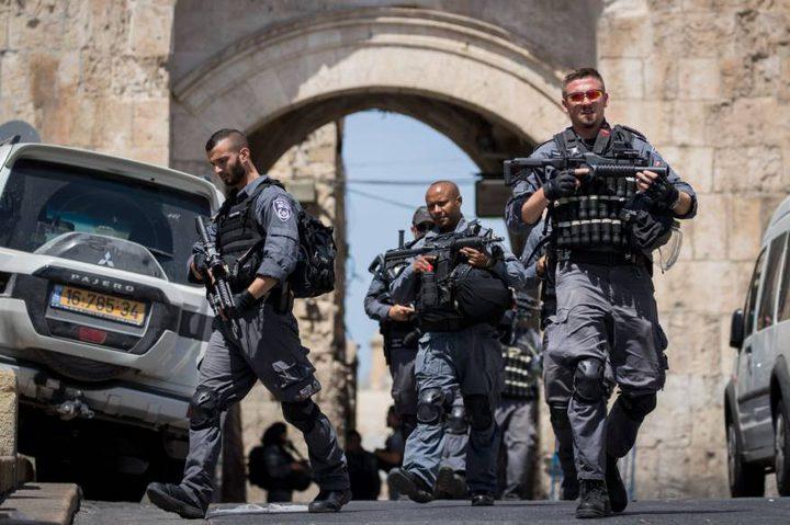 شرطة الاحتلال يفرض مخالفات على المصلين في مسجد شمال  القدس