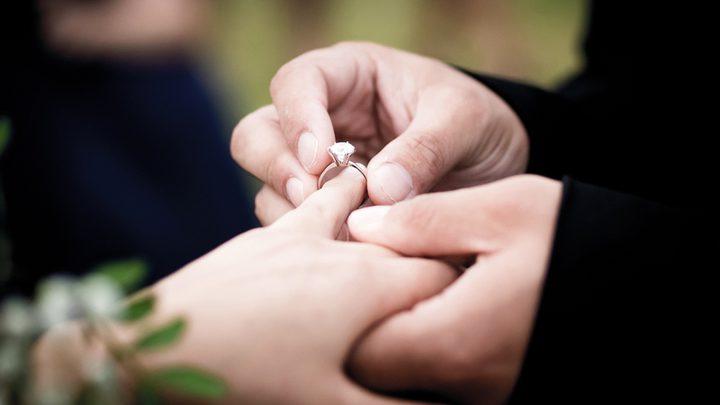 دبي تعلقحالات الزواج والطلاق حتى إشعار آخر