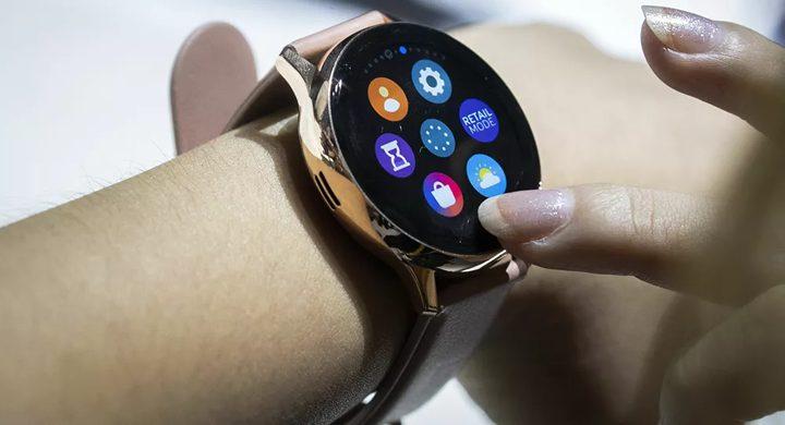 حيلة ذكية من سامسونغ تمكنك من التقاط الصور عن طريق ساعتك