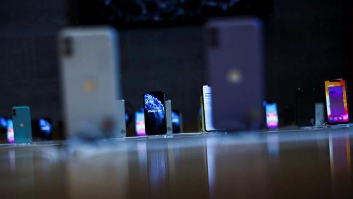 فيروس كورونا يهدد الجيل المقبل من الهواتف الذكية