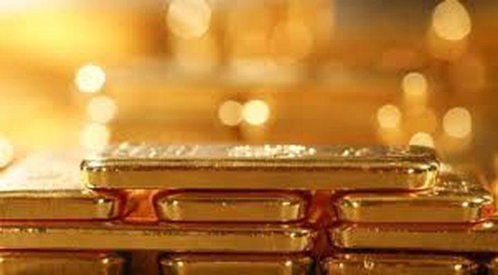 الذهب ينزل عن ذروة شهر مع صعود الأسهم