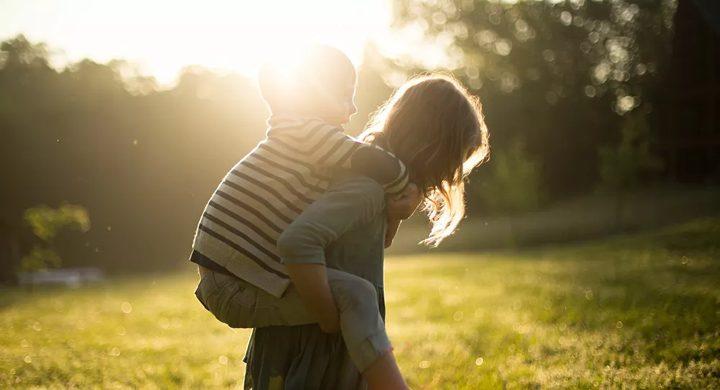 كيف نحافظ على صحة أطفالنا النفسية خلال العزل المنزلي؟
