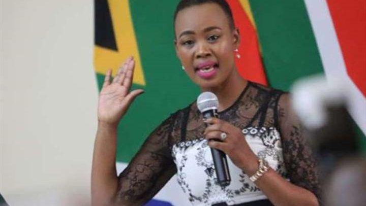 جنوب أفريقيا.. معاقبة وزيرة الاتصالات لمخالفتها قرار الحجر