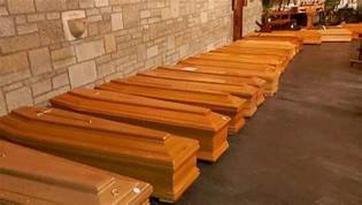 مقابر جماعية في أمريكا وبريطانيا لدفن الموتى