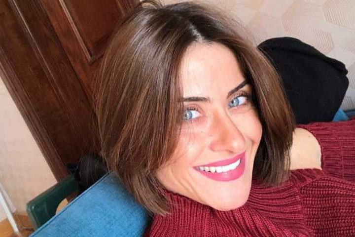 والدة الفنانة هيدي كرم تشعل مواقع التواصل الاجتماعي