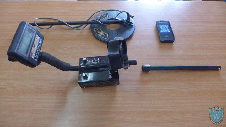 ضبط ماكينات تنقيب عن الآثار والقبض على 4 أشخاص بنابلس