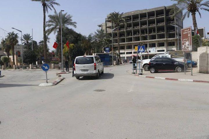 الشرطة تغلق عدد من الطرق الفرعية في جنين