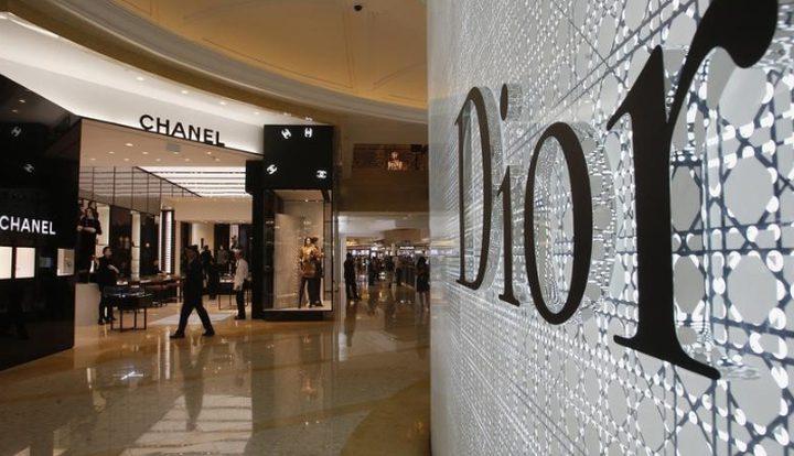 دار Dior Christian تصنع الكمامات لسائقي الحافلات