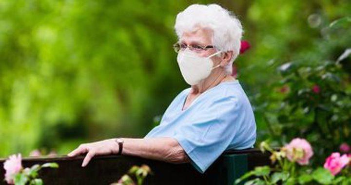 بريطانيا.. ممرضة تتلو رسائل وداع لجدة مصابة بكورونا