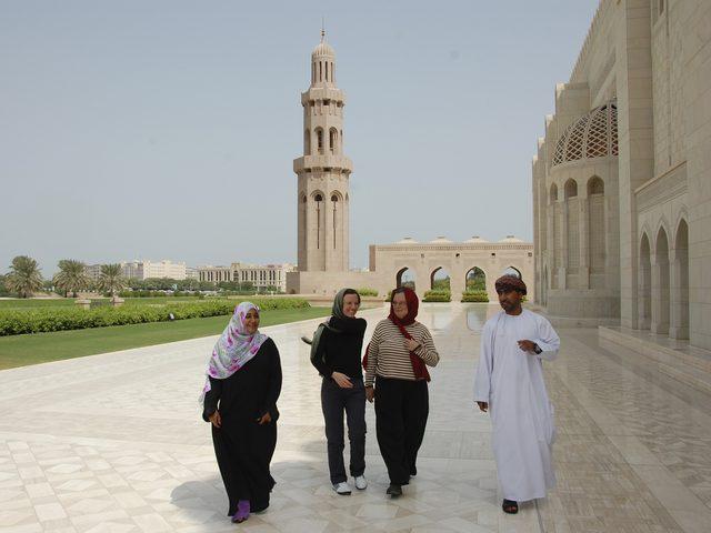 سلطنة عمان تعزل سوقا سياحيا بسبب فيروس كورونا